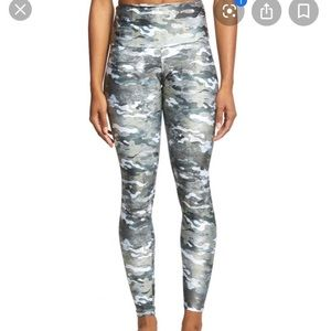 Onzie High Rise Graphic Legging - Marble Camo